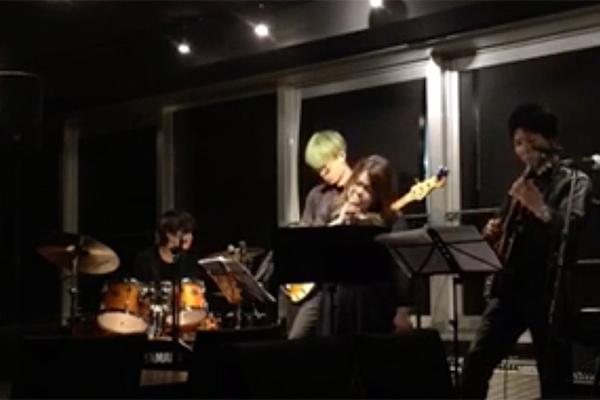 江坂のライブ&レストラン・バー スターダスト