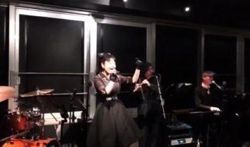江坂のライブ&レストラン・バー スターダスト演奏風景