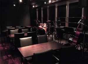 江坂のライブレストラン&バースターダスト