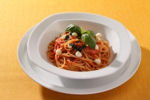トマトとモッツアレラ スパゲッティ